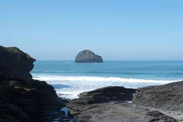 Trebarwith Strand is spectacular at low water or high tide.