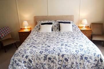 Bedroom 2 has a 5' bed.