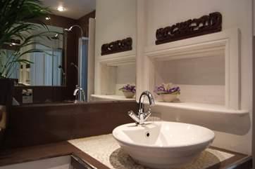 The stylish bathroom.