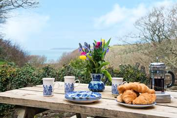 Breakfast on the terrace - why not?