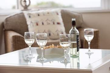 Wine and nibbles as a holiday treat!