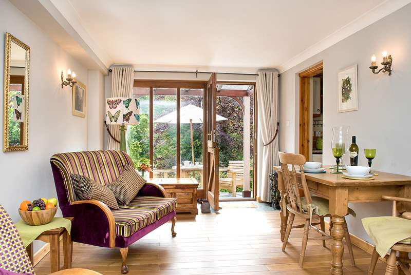Lowarth is a very comfortable apartment, light and airy thanks to the large picture window making the most of the wonderful setting