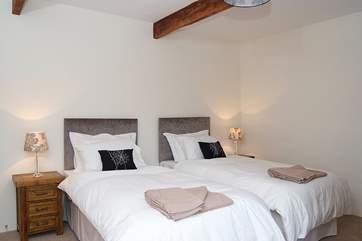 Bedroom 2 has 'zip and link' (double or twin) beds.