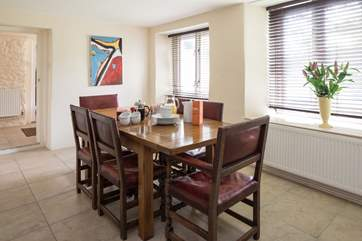 Dining as a family is a real pleasure at this wonderful dining table.