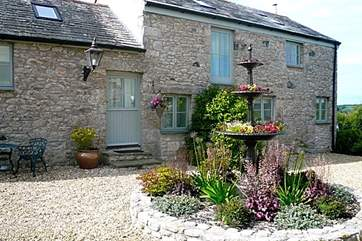 The beautiful courtyard at the rear of the cottage.