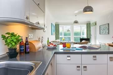 A delightful area to prepare meals.