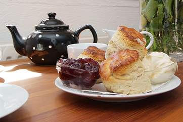 A delicious complimentary cream tea awaits you at the Owners' cafe at Lizard Point.