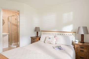 The master bedroom (Bedroom 1) has an en suite shower-room.