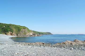Porthallow beach is just a few minutes' drive away.