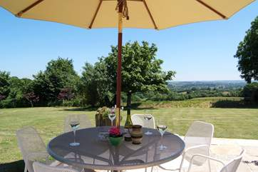 The patio enjoys sunshine throughout the day and is very private as it is to the side of the cottage.