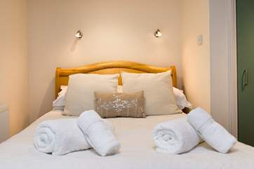 All the bedrooms have crisp white linen and fluffy white towels.