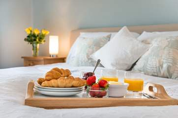 Breakfast in bed? Why not!