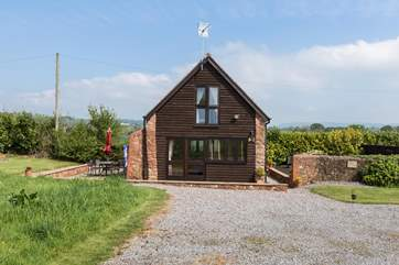 Face on gives you an idea of the style and character of Bumble Bee Barn.