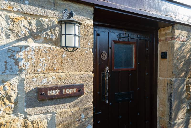 A traditional barn conversion with all you will need for a lovley stay in this National Trust conservation village.