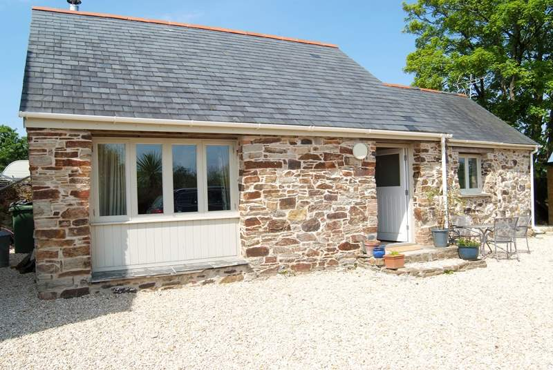 Kiddlywink Cottage is a detached barn conversion.