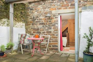 A lovely private sheltered courtyard for morning coffee and evening drinks.