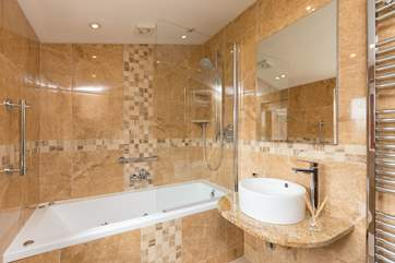 Another view of the en suite bathroom.