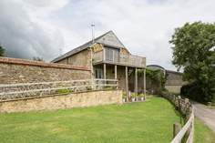Lottie's Loft - Holiday Cottage - 3.5 miles NW of Beaminster