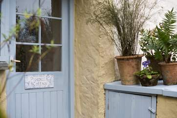 The pretty entrance to Prospect Cottage.