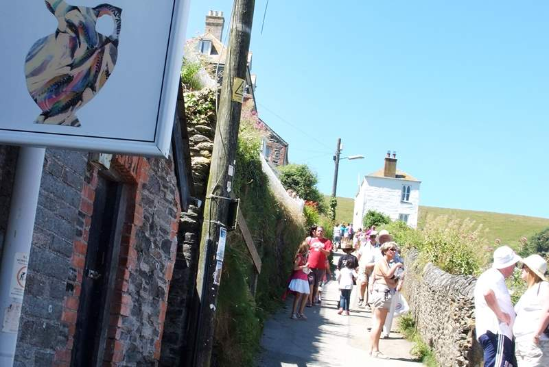 Port Isaac has narrow and sometimes steep streets throughout with very interesting shops and galleries.