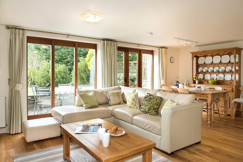 Meadows has a delightful light-filled open plan living-room.