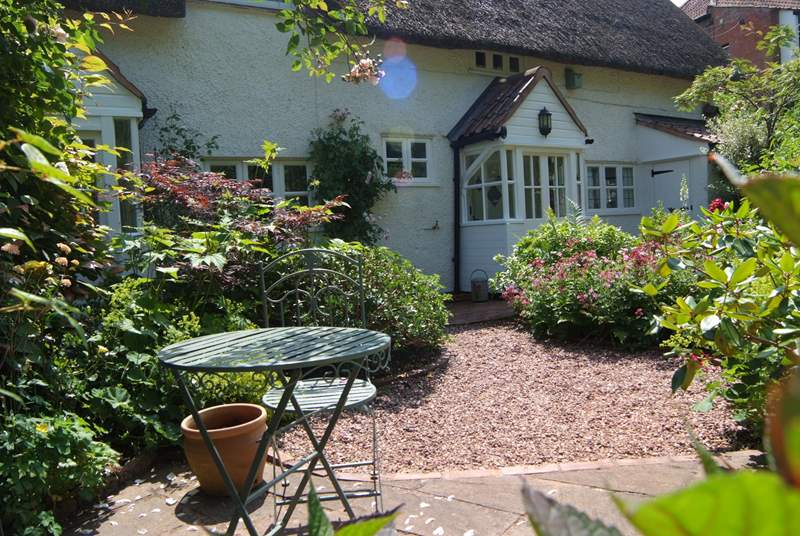 Brookside Cottage is a beautiful period property in a tranquil village setting, right on the edge of the Quantock Hills Area of Outstanding Natural Beauty.