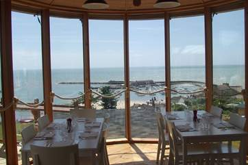 Classic Cottage customers can enjoy a 10% discount for lunch or dinner at Hix Oyster &  Fish House in Lyme Regis until 29th March 2018. Max table of 6.