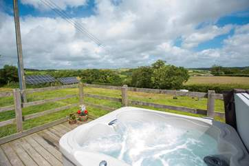 This really is a great spot to relax in the hot tub and enjoy the views over Cornwall and Devon in the distance.