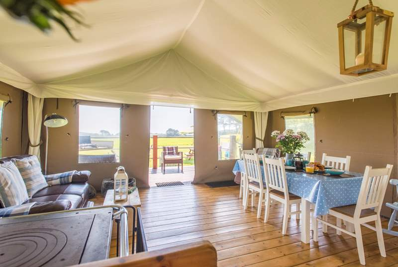Superbly furnished and equipped - luxury camping at its very best!