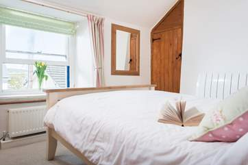This light and spacious room is at the front of the cottage.