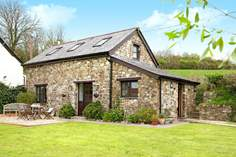 Carzantic Chapel Barn - Holiday Cottage - 2.1 miles SE of Launceston