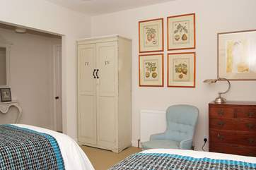 Each bedroom has its individual style, mixing vintage furnitue with top-of-the-range mattresses and bed linen.