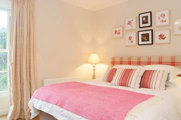 Bedroom 4 has a 6' double bed.