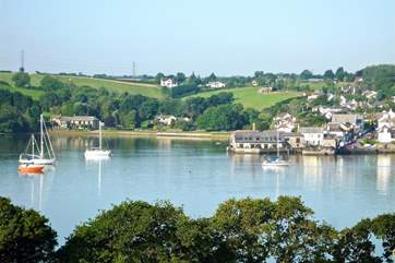 Standing on the Devon side of the River Tamar looking back to Riverside Cottage and its neighbours in the distance.