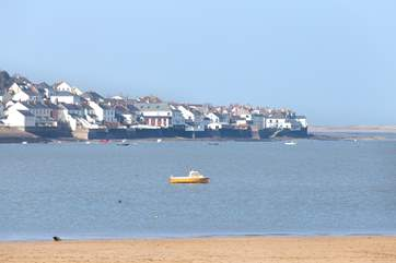 This is a view of Appledore from the Instow side of the estuary.