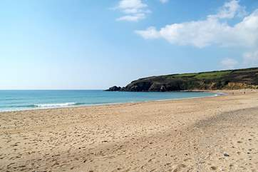 Just a 15 minute stroll down the hill will bring you to the fabulous stretch of sand at Praa Sands with a popular pub on the beachfront and you can connect here with the South West Coast Path.
