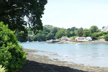 With high or low tide, this is a great place to spot the local birdlife on the river from the end of the garden.