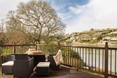 Helford House - Holiday Cottage - 4.5 miles SW of Falmouth