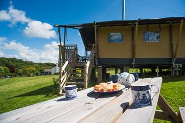 The perfect spot for a Cornish cream tea!