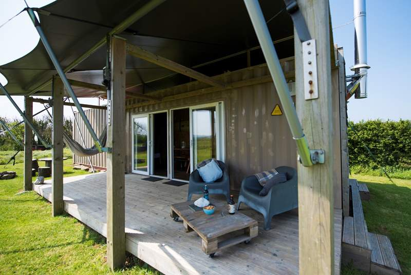 Relax on Rusty's deck overlooking open countryside or have a swing in the hammock.