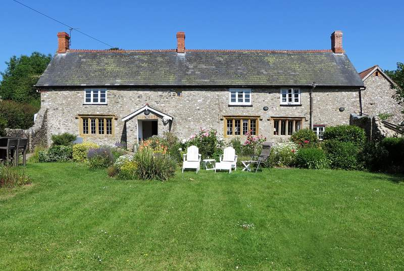 Woodend Farm - a beautiful period farmhouse with a wonderful contemporary interior.