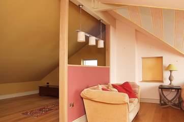 The cot-area in Bedroom 4.