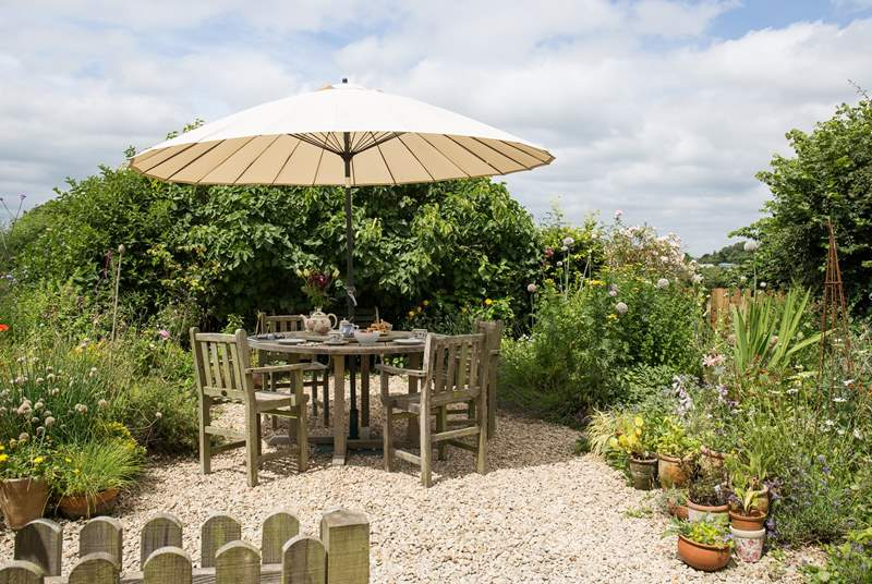 This cottage garden is perfect for afternoon tea.