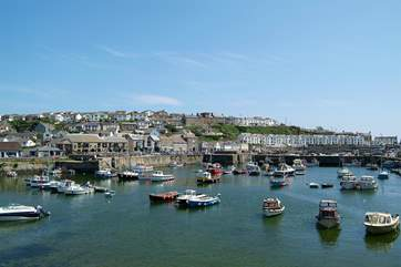 The picturesque village of Porthleven has some lovely shops, great restaurants and three pubs all just a short drive away.
