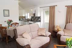 Stephney Farmhouse Barn - Holiday Cottage - 1.8 miles SW of Falmouth