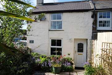 The cottage is end of terrace and is completely private from its next door neighbour, it is located on a road (30mph) in the heart of the village so the shop and pub are not far away.
