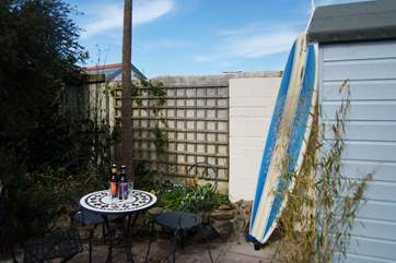 There is space in the garden for relaxing and although guests do not have access to the shed, there is space to leave your surfboards and beach gear by the back door.