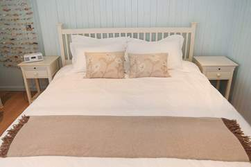 Bedroom 3 has a 6' double bed.