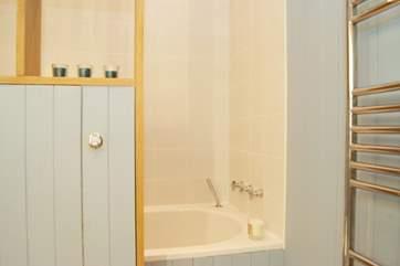 The bathroom to Bedroom 1.