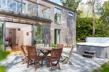 Drift is a cedar-clad super-insulated eco home with the highest sustainable credentials.